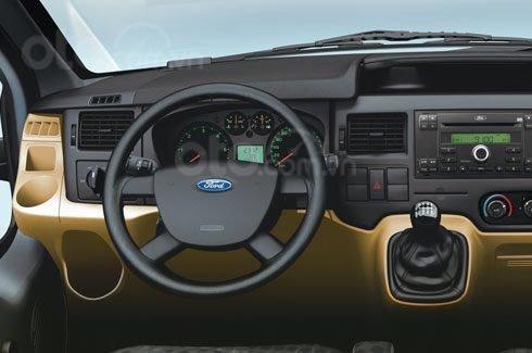 Bán xe 16 chỗ - Ford Transit đời 2020, màu bạc, số sàn3