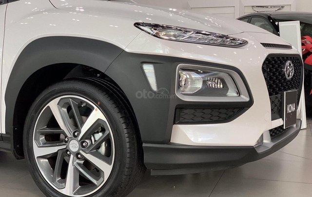 Hyundai Kona giảm 50% phí trước bạ, có xe giao ngay3