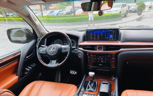Bán Lexus LX570S Super Sport model 2019, siêu lướt 1v1 km4