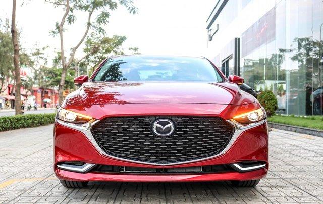 New Mazda 3 2020 Luxury - ưu đãi 60tr - đủ màu - tặng phụ kiện - chỉ 200tr0