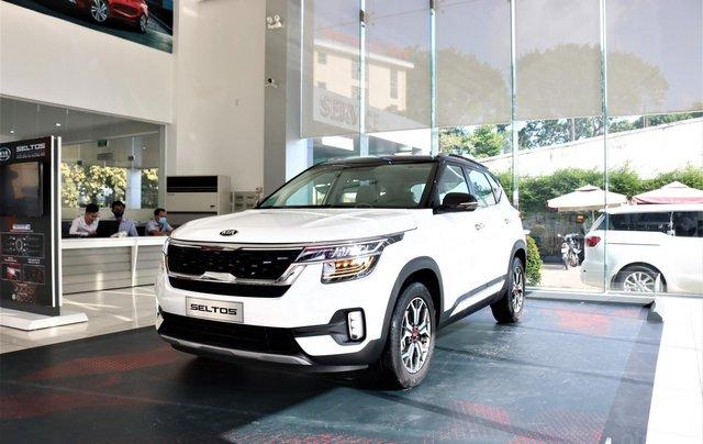 Kia Seltos 1.4 Premium 2020 màu trắng, đưa trước 205 triệu nhận xe1