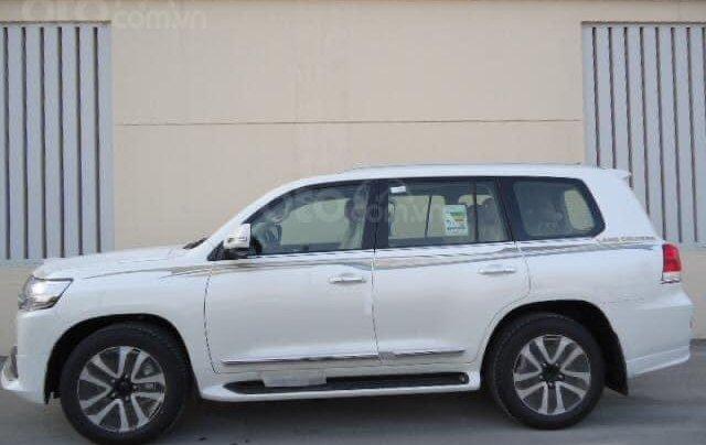 Toyota Land Cruise VX S 4.6 nhập trung Đông, sản xuất 2020, mới 100%1