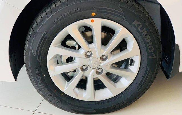 Hyundai Huế bán Accent tự động tiêu chuẩn, 502 triệu3