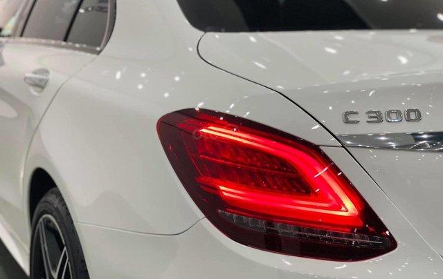 Mercedes C300 AMG 2020, màu trắng, nhập khẩu6