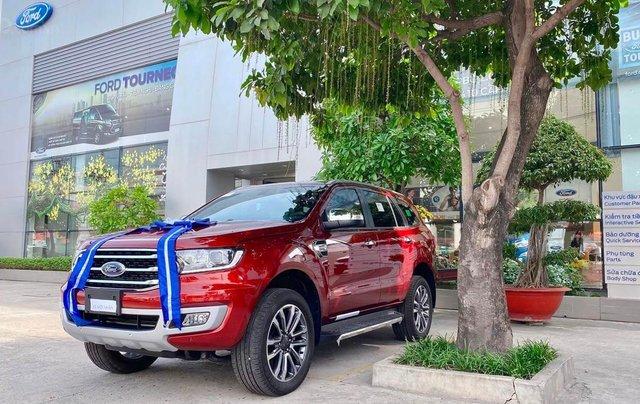 Cần bán xe Ford Everest năm sản xuất 2020, xả kho tháng ngâu0