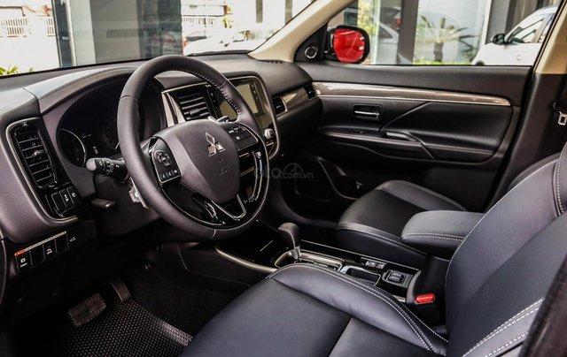 Outlander 2.4, 2 cầu 4WD, 2020 thiết kế đẹp mắt, vận hành êm ái, tiện ích ngập tràn, ưu đãi 50% trước bạ3