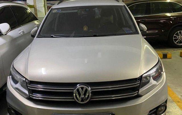 Bán gấp chiếc Volkswagen Tiguan đời 2012 số tự động, xe còn hoàn toàn mới, giá ưu đãi0