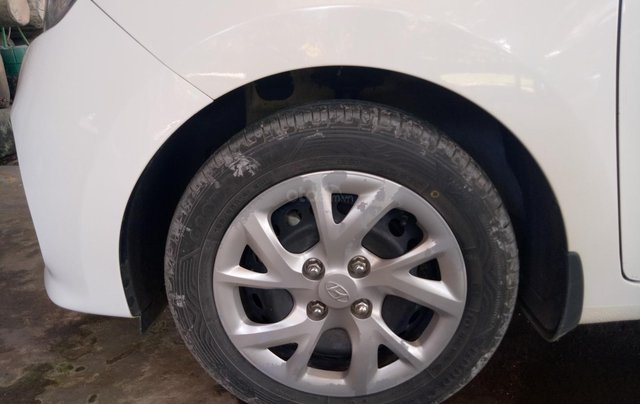 Muốn bán Hyundai i10 1.2 MT, đăng kí cuối năm 201710