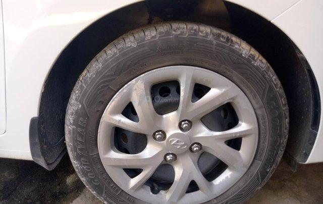 Muốn bán Hyundai i10 1.2 MT, đăng kí cuối năm 201712