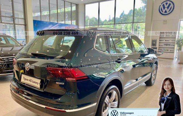 Khuyến mãi đặc biệt xe Tiguan Luxury màu xanh rêu màu độc hiếm có - Giao ngay 10