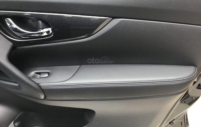 Bán Nissan X Trail 2020, máy xăng màu trắng giá chỉ 933 triệu10