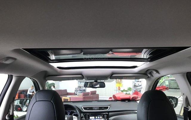 Bán Nissan X Trail 2020, máy xăng màu trắng giá chỉ 933 triệu13