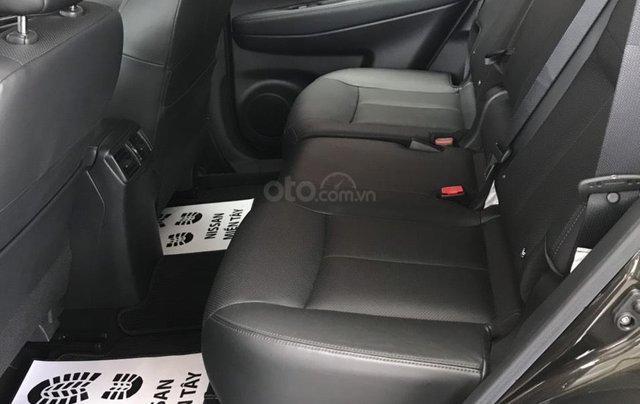 Bán Nissan X Trail 2020, máy xăng màu trắng giá chỉ 933 triệu14