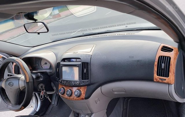 Hyundai Elantra đời 2008, còn mới 98%, bao đẹp2