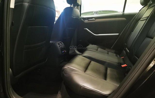 Passat Bluemotion màu xám ghi - Passat chuẩn doanh nhân - Xe nhập 100% từ Đức giá tốt10