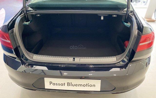 Passat Bluemotion màu đen xe Sedan 5 chỗ nhập khẩu nguyên chiếc từ Đức - Lái cực chất - Khuyến mãi cực khủng mùa dịch5
