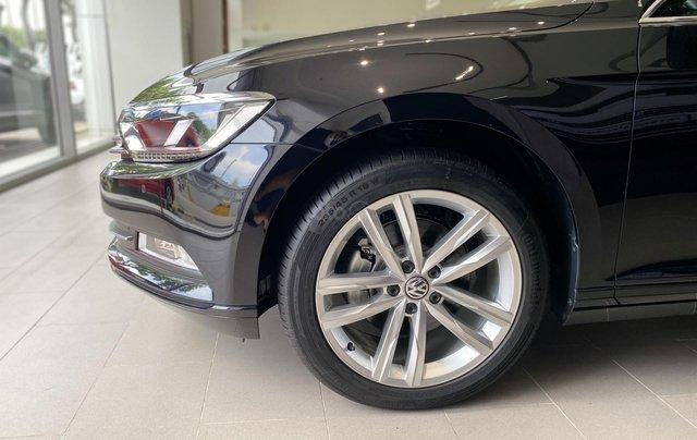 Passat Bluemotion màu đen xe Sedan 5 chỗ nhập khẩu nguyên chiếc từ Đức - Lái cực chất - Khuyến mãi cực khủng mùa dịch10