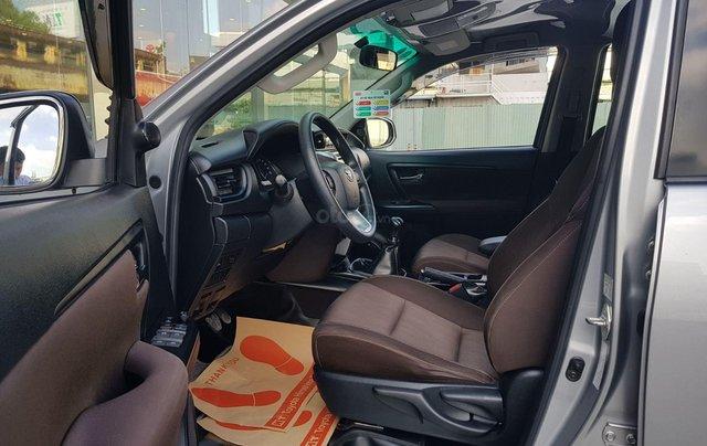 Cần. Bán xe Toyota Fortuner 2.4G diesel MT 2017 bạc, BS đẹp HCM - Xe chất giá tốt chính hãng7