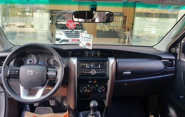 Cần. Bán xe Toyota Fortuner 2.4G diesel MT 2017 bạc, BS đẹp HCM - Xe chất giá tốt chính hãng9