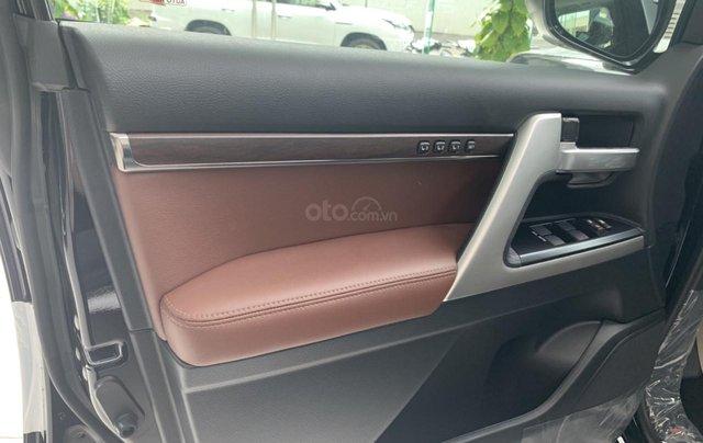 Bán Toyota Land Cruiser VXS sản xuất 2020 màu đen, xe nhập khẩu mới 100%4