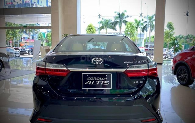 Cần bán Toyota Corolla Altis đời 2020 chỉ 733 triệu tặng kèm 2 năm BHVC cùng nhiều ưu đãi, hỗ trợ góp 85%4