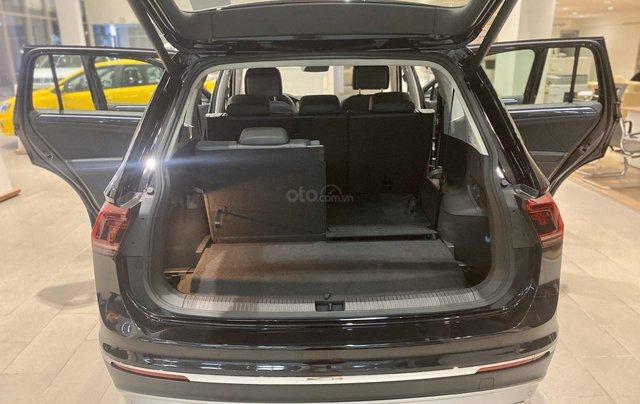 Volkswagen Tiguan Luxury S màu đen - KM cực tốt - giao ngay4