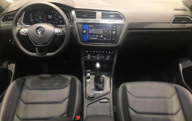 Volkswagen Tiguan Luxury S màu đen - KM cực tốt - giao ngay7