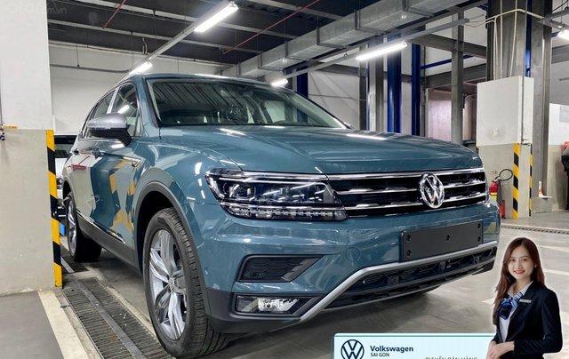 Khuyến mãi giá tốt Tháng 9/2020 cho Tiguan luxury S màu xanh Petro - Phiên bản full option0