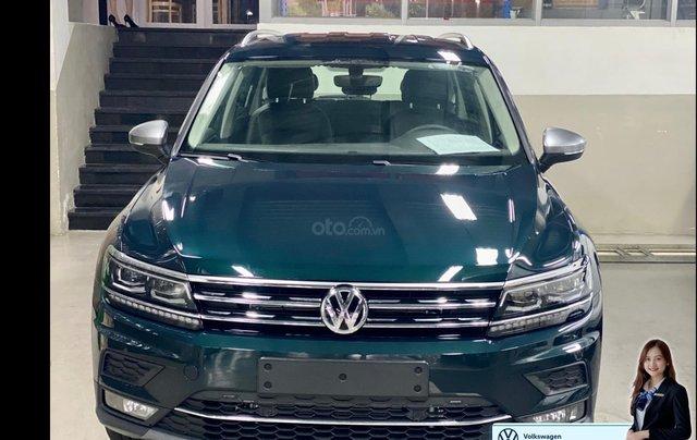 Khuyến mãi đặc biệt xe Tiguan Luxury màu xanh rêu màu độc hiếm có - Giao ngay 0