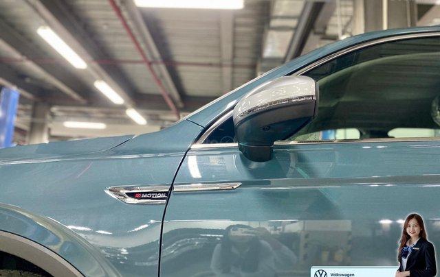 Khuyến mãi giá tốt Tháng 9/2020 cho Tiguan luxury S màu xanh Petro - Phiên bản full option1