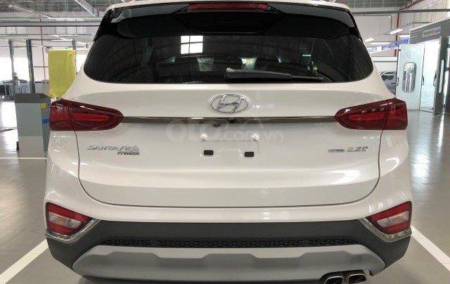 Xe Hyundai 2.2D 2020 giảm giá sâu nhiều khuyến mãi lớn lên hệ ngay Long Hyundai3