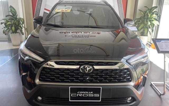Bán Toyota Corolla Cross 1.8V màu đen giao ngay0