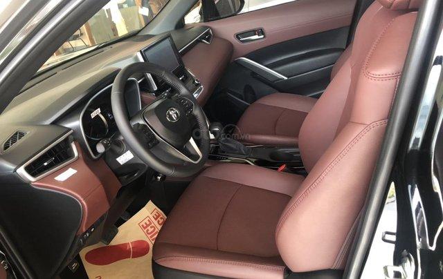 Bán Toyota Corolla Cross 1.8V màu đen giao ngay4