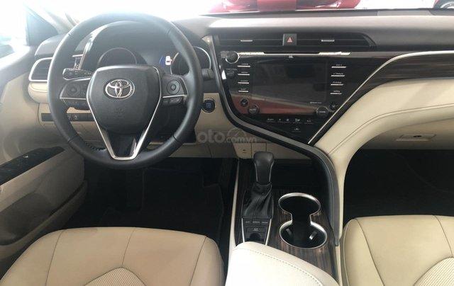 Toyota Camry 2.5Q màu đỏ giao ngay - hỗ trợ vay 80% - thanh toán 380tr nhận ngay xe4