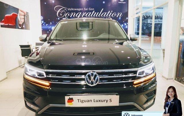 Volkswagen Tiguan Luxury S màu đen - KM cực tốt - giao ngay1