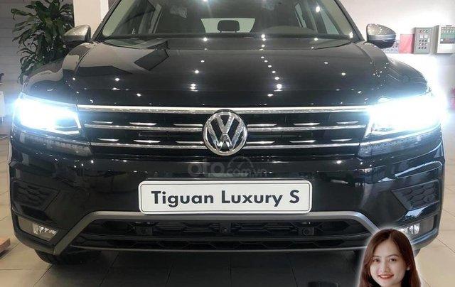 Volkswagen Tiguan Luxury S màu đen - KM cực tốt - giao ngay0