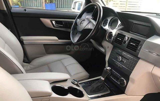 Cần bán lại xe Mercedes GLK300 sản xuất 2010, màu bạc, nhập khẩu2
