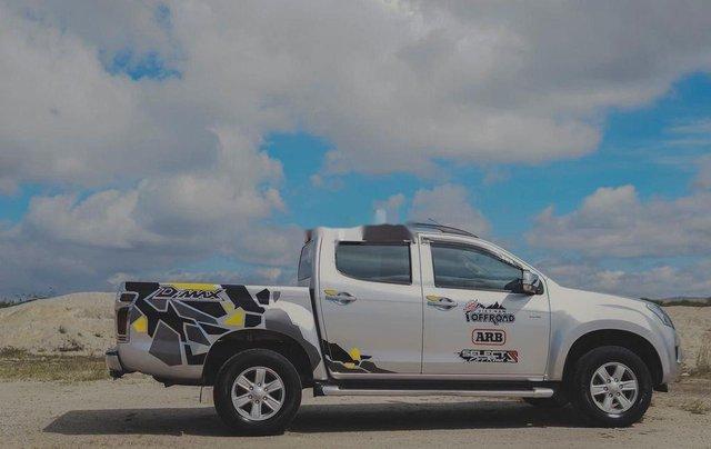 Cần bán Isuzu Dmax LS đời 2014, màu trắng, xe nhập 2