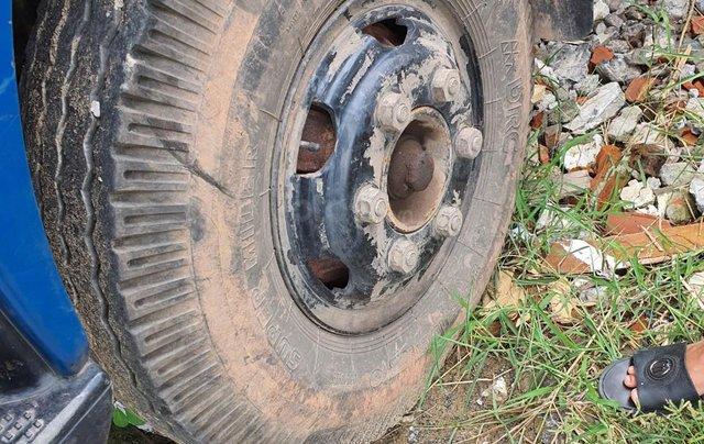Ngân hàng bán đấu giá xe tải mui bạt Veam VT7503