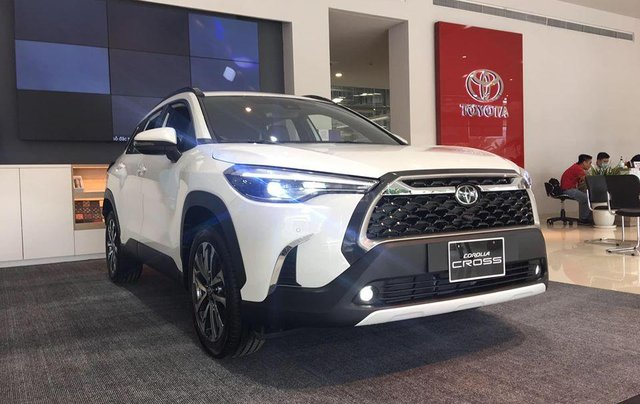Bán Toyota Corolla Cross đời 2020, 720tr, xe giao ngay3
