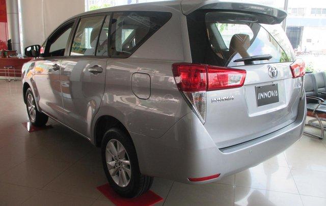 Xe Innova E số sàn 2020, hỗ trợ 100% lệ phí trước bạ, trả góp lãi suất tuỳ chọn, xe đủ màu giao ngay5