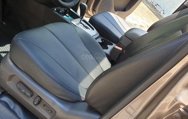 Bán Hyundai Santa Fe máy dầu EVGT 2.0, số tự động, đời cuối 2011, màu nâu tuyệt đẹp, mới 80%11