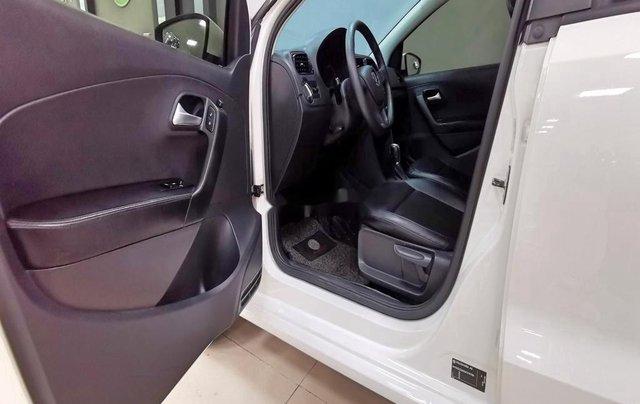 Cần bán lại xe Volkswagen Polo năm sản xuất 2016, màu trắng  9