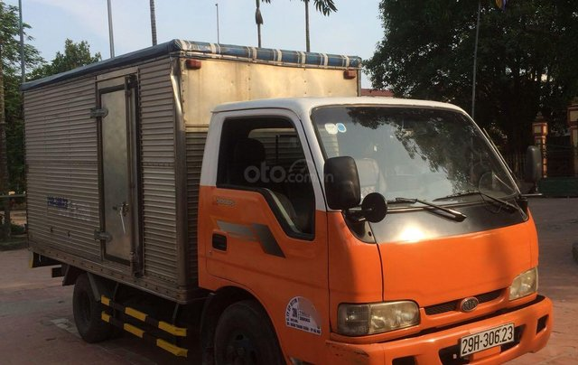Kia K3000S 1,4 tấn, thùng kín inox1