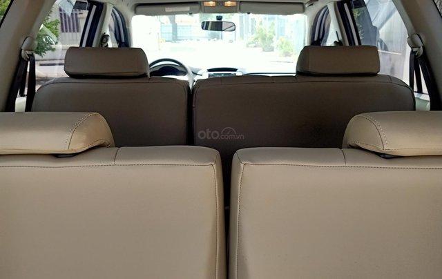 Cần bán Toyota Innova E 2014, số sàn, màu bạc đẹp, xe còn rất mới, anh Thành7