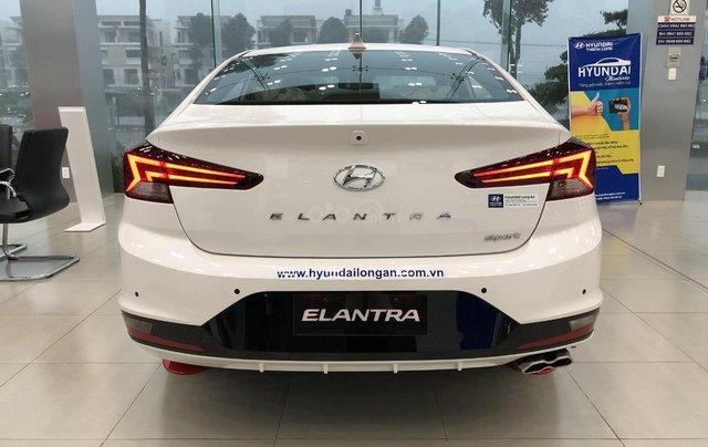 [Hyundai Long An] Hyundai Elantra Sport ưu đãi cực lớn + giảm ngay 50% thuế trước bạ + quà tặng hấp dẫn2