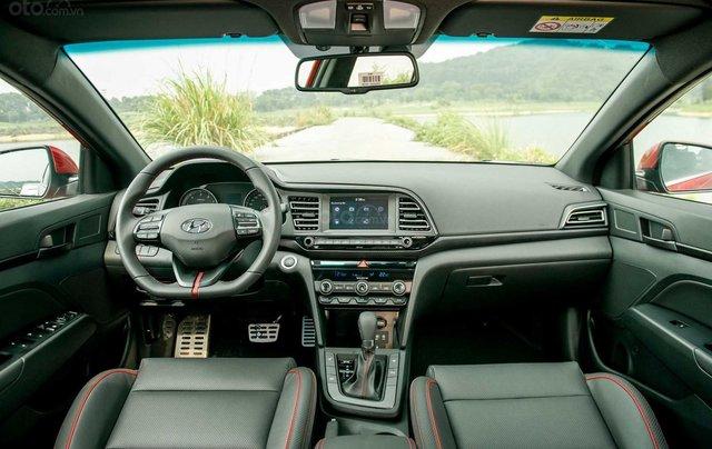 [Hyundai Long An] Hyundai Elantra Sport ưu đãi cực lớn + giảm ngay 50% thuế trước bạ + quà tặng hấp dẫn3