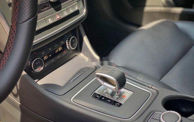 Bán xe Mercedes GLA 45AMG năm 2015, màu đen, nhập khẩu còn mới10