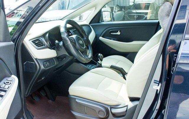 Bán xe Kia Rondo số sàn, màu xanh dương, một chủ cực đẹp mới như xe hãng4