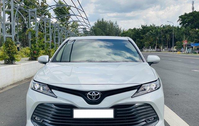 Xe cũ Toyota Camry 2.0E 2019, xe công ty xuất hóa đơn 100%, xe như mới, tiết kiệm hơn 100tr1